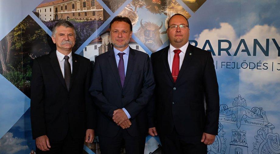 A horvát és a magyar házelnök találkozott a baranyai megyeszékhelyen