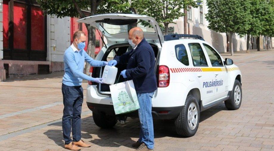 """Polgárőröket támogatja a """"Baranya segít program"""""""