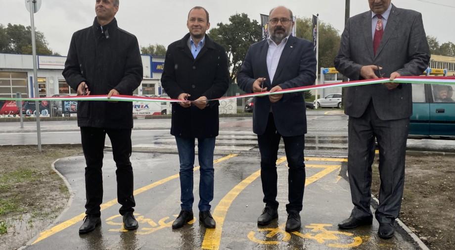 Megépült a körforgalom Szigetváron a 67-es főút és a József Attila utca csomópontjában