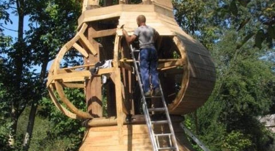 Újabb állomásához érkezett a zalátai templomtorony felújítása